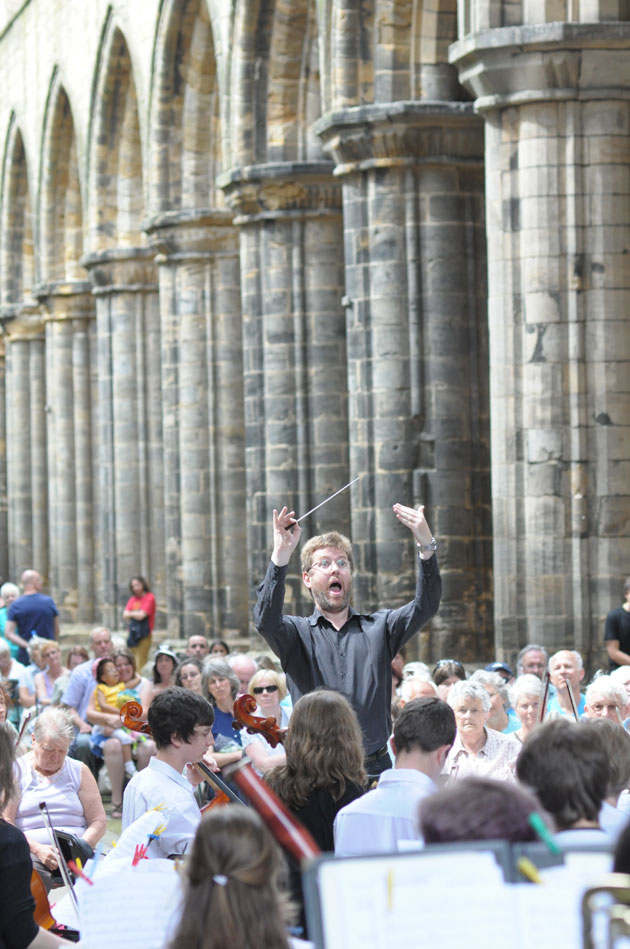 Conductor at kirkstall abbey
